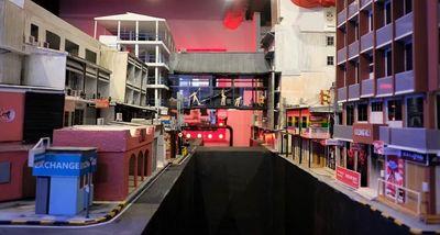 Có gì bên trong bảo tàng mô phỏng phố đèn đỏ khét tiếng của Thái Lan? - ảnh 1