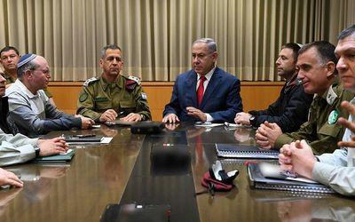 Israel báo động đỏ sau khi bị tấn công nghiêm trọng, ngay lập tức dội hỏa lực đáp trả - ảnh 1