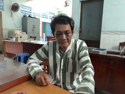 Vụ ông già 63 tuổi ôm hôn sờ soạng bé gái 7 tuổi: Nghi phạm bị đánh bầm hai mắt - ảnh 1