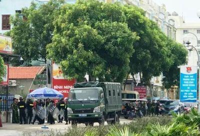 Tin tức pháp luật mới nóng hôm nay 24/6/2019: Huy động cảnh sát tới biển Hải Tiến ngăn chặn xô xát  - ảnh 1