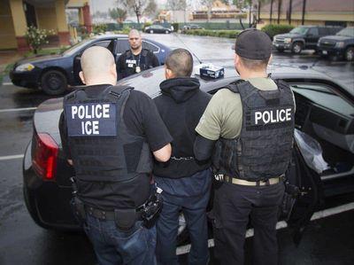Mỹ bắt đầu chiến dịch truy quét người nhập cư bất hợp pháp tại 10 thành phố lớn - ảnh 1