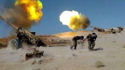 """""""Chảo lửa Syria rực cháy"""": Quân đội tấn công theo thế gọng kìm, """"bóp nghẹt"""" hàng loạt phiến quân - ảnh 1"""