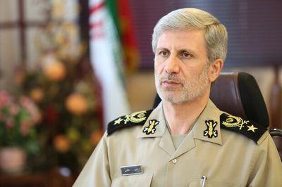 """Iran trình làng hệ thống tên lửa phòng không lợi hại hơn """"rồng lửa"""" S-400 của Nga - ảnh 1"""