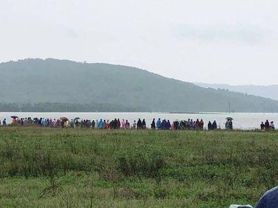 Hà Tĩnh: Bắt cá ngày mưa lũ, hai người đàn ông thiệt mạng vì bị nước cuốn trôi - ảnh 1