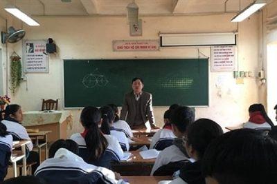 """Giáo viên hợp đồng Hà Nội: Phận """"tầm gửi"""" lay lắt trước thềm năm mới - ảnh 1"""