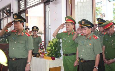 Thăng quân hàm, đề nghị công nhận liệt sĩ cho Đại úy Công an hy sinh khi làm nhiệm vụ chiều 30 Tết - ảnh 1