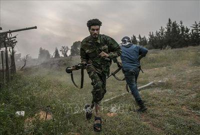 Tin tức quân sự mới nóng nhất ngày 24/5: GNA giành quyền kiểm soát 3 doanh trại tại Tripoli - ảnh 1