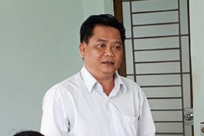 Sử dụng bằng đại học giả, Phó Bí thư huyện ở Bình Phước bị cách chức - ảnh 1