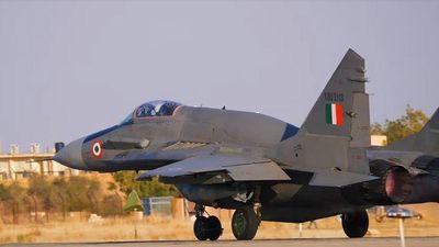 Ấn Độ phê chuẩn chiến lược hiện đại hóa vũ khí, mua hàng loạt siêu tiêm kích của Nga - ảnh 1
