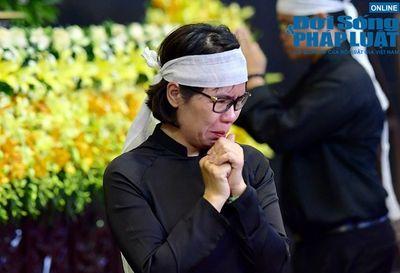 Dòng người tới viếng Thứ trưởng bộ GD-ĐT Lê Hải An  - ảnh 1