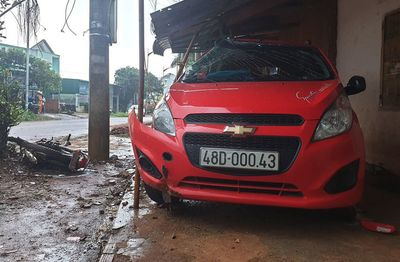 Tin tức tai nạn giao thông mới nhất hôm nay 8/10/2019: Say rượu, một cán bộ công an tông chết người - ảnh 1