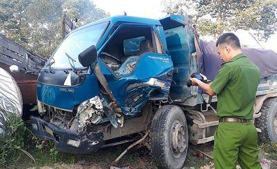 Tin tức thời sự mới nhất hôm nay 18/11/2019: Phóng xe vào làn ô tô, nữ tài xế tử vong - ảnh 1