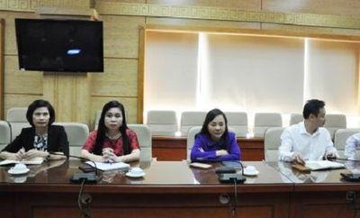 Bộ trưởng Nguyễn Thị Kim Tiến làm việc với Trưởng đại diện WHO tại Việt Nam - ảnh 1