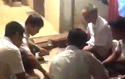 Thanh Hóa: Đình chỉ bí thư và phó chủ tịch xã bị tố đánh bạc tại cơ quan - ảnh 1