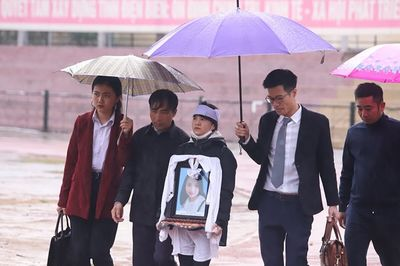 Xét xử vụ nữ sinh giao gà bị sát hại: Tử hình 6 bị cáo, tăng án đối với Bùi Thị Kim Thu  - ảnh 1