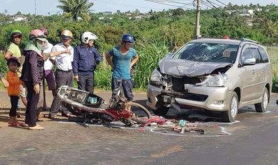 Tin tức tai nạn giao thông mới nhất hôm nay 14/6/2019: Xe máy cày đâm vào xe máy, 10 người bị thương - ảnh 1