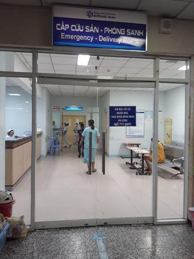 Khó chịu với loa thông báo của khoa sản, chồng sản phụ đấm bầm mặt nữ bác sỹ ở Đồng Nai - ảnh 1