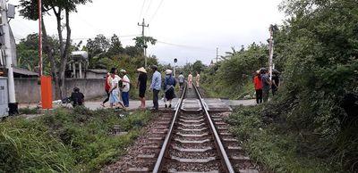 3 vụ tai nạn đường sắt nghiêm trọng liên tiếp xảy ra, 5 người tử vong - ảnh 1