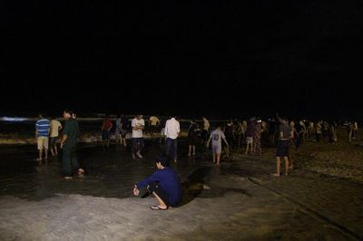 Vụ 6 học sinh đuối nước khi đi tắm biển ở Đà Nẵng: Tìm thấy thi thể nam sinh thứ 2 - ảnh 1