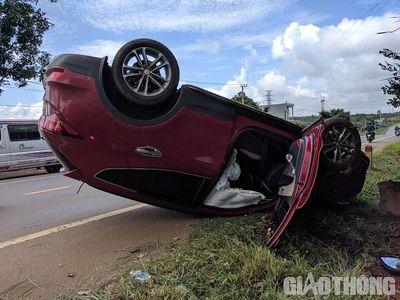 Tin tức tai nạn giao thông mới nhất hôm nay 23/8/2019: Người đàn ông tông CSGT để bỏ chạy - ảnh 1