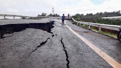Vụ đường 250 tỷ sụt lún nghiêm trọng: Bộ Giao thông vận tải yêu cầu khẩn trương kiểm tra - ảnh 1