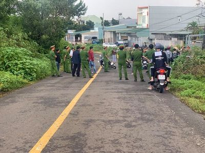 Gia Lai: Thực nghiệm hiện trường vụ nam sinh lớp 11 bị đâm chết trước cổng trường - ảnh 1