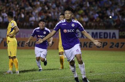 Đánh bại SLNA, Hà Nội FC bảo vệ thành công ngôi vô địch V-League - ảnh 1
