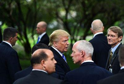 Các mật vụ Mỹ bảo vệ Tổng thống Donald Trump như thế nào? - ảnh 1