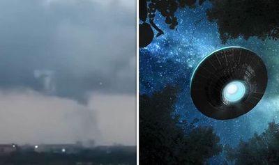 Xuất hiện vật thể nghi là UFO trong cơn lốc xoáy ở Amsterdam  - ảnh 1
