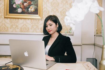 Bỏ nghề giáo viên, cô gái thành công ở tuổi 27 nhờ kinh doanh online  - ảnh 1
