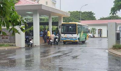 Sau tiếng la lớn, phát hiện tài xế xe buýt tử vong trong nhà vệ sinh  - ảnh 1