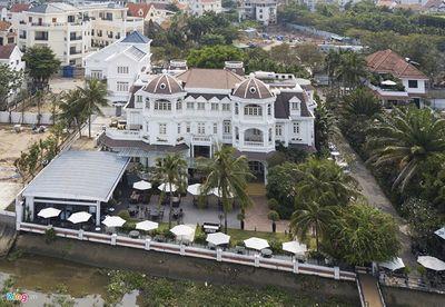 Siêu biệt thự trăm tỷ ven sông Sài Gòn của bố chồng Hà Tăng - ảnh 1