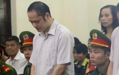 Xét xử vụ gian lận thi cử ở Hà Giang: Các bị cáo khai gì? - ảnh 1