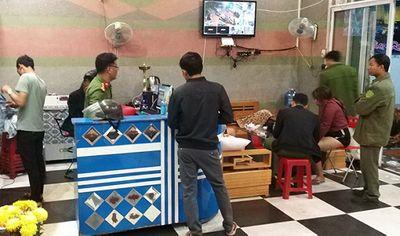 Bắt quả tang gần 30 thanh niên sử dụng ma túy trong quán karaoke - ảnh 1