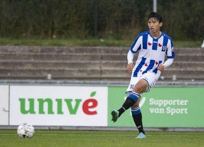 Đoàn Văn Hậu kiến tạo ghi bàn, Heerenveen thắng đậm trên đất Hà Lan - ảnh 1