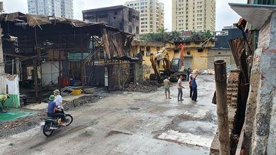 Toàn bộ mặt bằng vụ cháy công ty Rạng Đông sẽ được tẩy sạch trong 5 ngày tới - ảnh 1