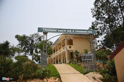 """Vụ thầy giáo bị """"tố"""" làm học sinh lớp 8 mang thai ở Lào Cai: Nữ sinh muốn đi học nhưng không dám  - ảnh 1"""