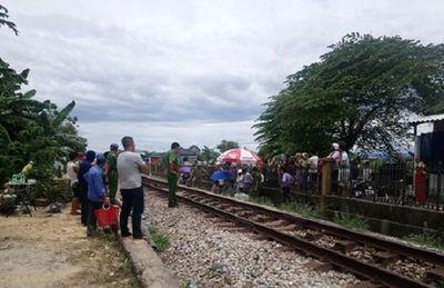 Băng qua đường sắt, người đàn ông bị tàu hỏa tông tử vong - ảnh 1