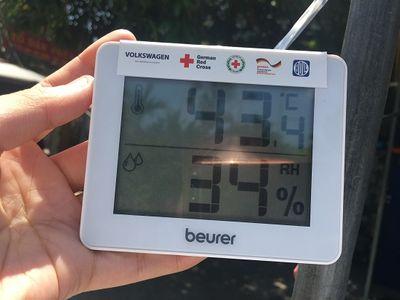 Hà Nội: Chuyến xe lưu động giải cứu người lao động khỏi nắng nóng gay gắt - ảnh 1