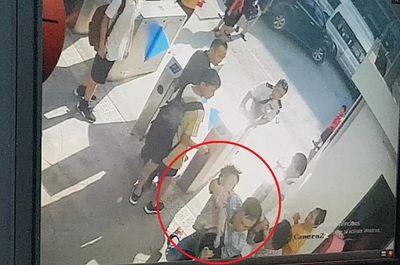 Vụ học sinh lớp 1 trường Gateway tử vong: Ông ngoại tiết lộ bất ngờ về chiếc áo  - ảnh 1