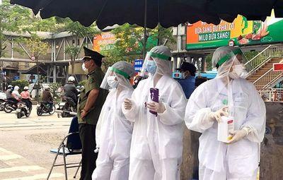 Hà Nội lập trạm xét nghiệm nhanh Covid-19 quanh bệnh viện Bạch Mai - ảnh 1