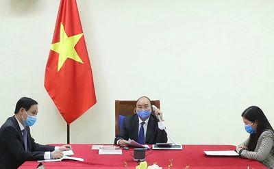 Thủ tướng Nguyễn Xuân Phúc điện đàm với Thủ tướng Trung Quốc về hợp tác chống dịch COVID-19 - ảnh 1