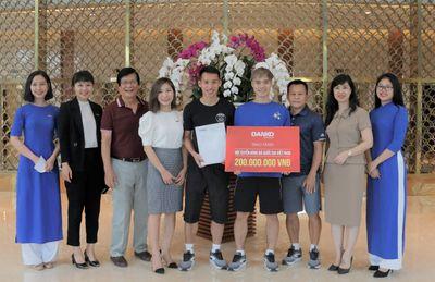 Danko Group tặng quà đặc biệt chúc đội tuyển Việt Nam, HLV Park Hang Seo chiến thắng  - ảnh 1