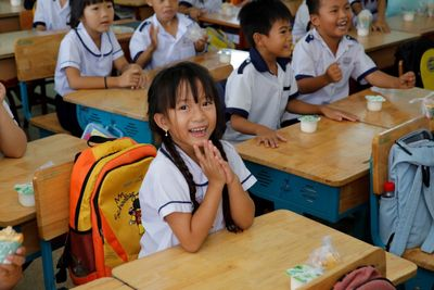 """Hơn 1.000 học sinh nhận quà trong """"Ngày Thiện nguyện CapitaLand"""" - ảnh 1"""