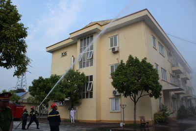 Bệnh viện Phổi Nam Định: Đảm bảo an toàn và chấp hành nghiêm chỉnh luật phòng cháy, chữa cháy  - ảnh 1
