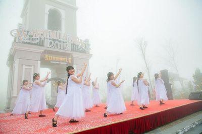 """Giáng sinh này chinh phục """"xứ sở pha lê"""" cực chất trên đỉnh Fansipan  - ảnh 1"""
