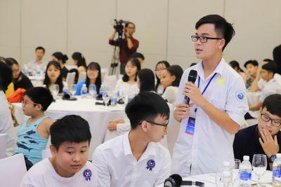 Nữ sinh Hà Nội giành giải nhất cuộc thi viết luận bằng tiếng Anh Write4Change  - ảnh 1