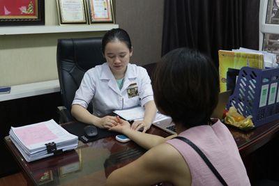 Bác sĩ Ngô Thị Hằng chữa bệnh phụ khoa tại nhà thuốc Đỗ Minh Đường  - ảnh 1