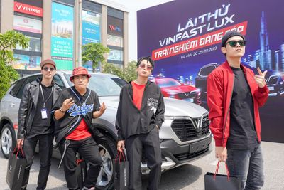 Khách hàng thách thức giới hạn VinFast Lux cùng các chuyên gia quốc tế  - ảnh 1