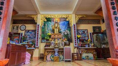 Vãn cảnh cầu an ở quần thể chùa nổi tiếng nhất Tây Ninh dịp Tết 2020  - ảnh 1
